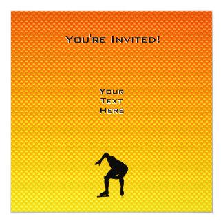 """Patinador amarillo-naranja de la velocidad invitación 5.25"""" x 5.25"""""""
