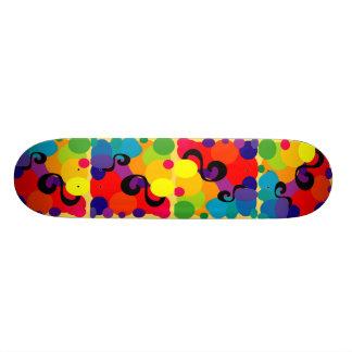 Patinador feliz skate board