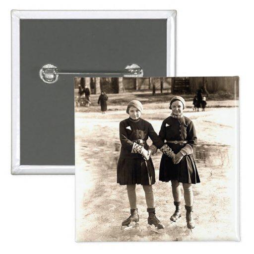 Patinaje de hielo de 1925 novias pin cuadrado
