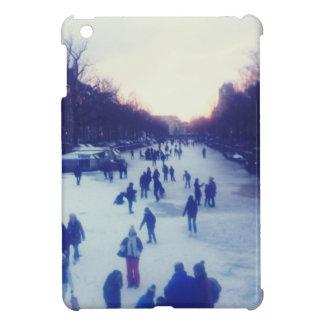 Patinaje de hielo en el canal iPad mini coberturas