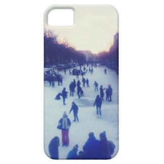 Patinaje de hielo en el canal iPhone 5 funda