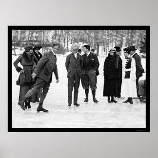 Patinaje de hielo en el parque del smoking, NY 192 Póster