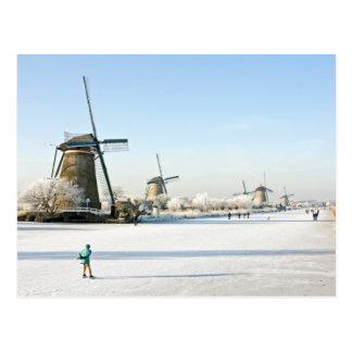 Patinaje de hielo típicamente holandés en postal