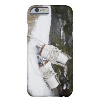 Patines de hielo, figura patines en nieve funda de iPhone 6 barely there