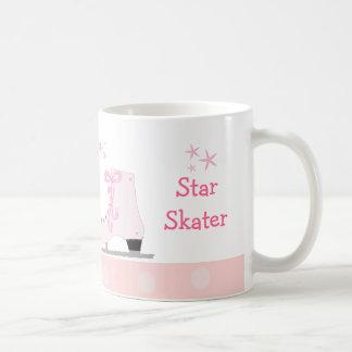 Patines de hielo rosados - patinador de la taza básica blanca