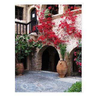 Patio CRETA GRECIA de las iglesias del monasterio Postal