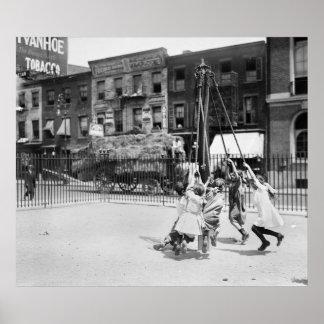 Patio de NYC: 1910 Póster