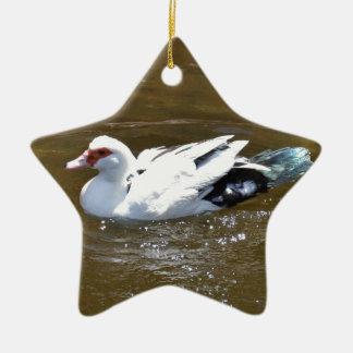 Pato blanco adorno navideño de cerámica en forma de estrella