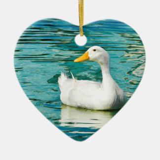 Pato blanco de Pekin - foto de la naturaleza en Adorno Navideño De Cerámica En Forma De Corazón