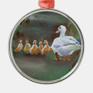 Pato con los anadones adorno navideño redondo de metal