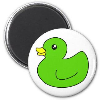Pato de goma verde imán redondo 5 cm