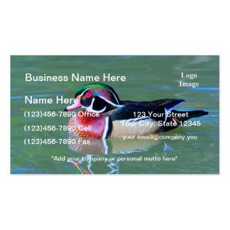 Pato de madera masculino en la charca tarjetas de visita