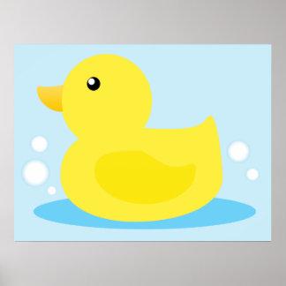 Pato del amarillo del tiempo del baño póster