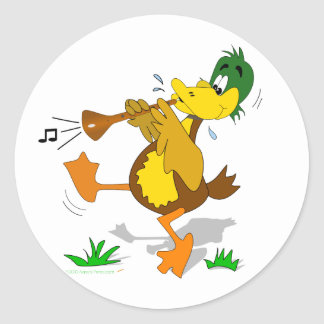 Pato del dibujo animado que juega a los pegatinas pegatina redonda