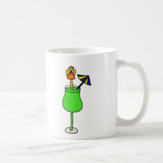 Pato divertido en bebida tropical taza