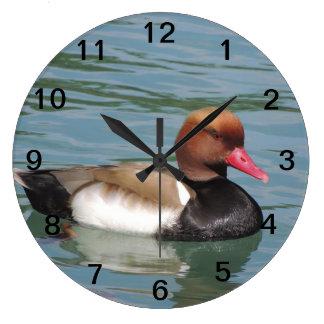 Pato en el agua reloj redondo grande