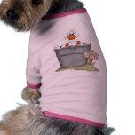 Pato en una tina ropa de perro