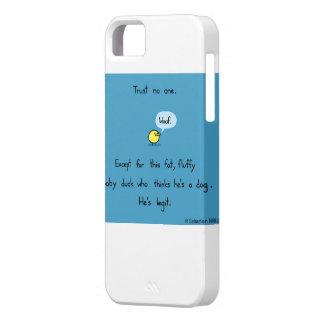 Pato mullido gordo, confianza nadie iPhone 5 Case-Mate cárcasas