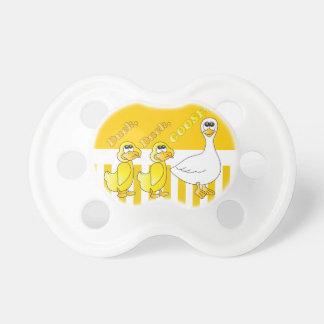 Pato pato tema del cuarto de niños del ganso chupetes para bebés