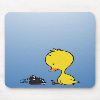 Pato que espera un cojín de ratón de la llamada alfombrillas de ratón