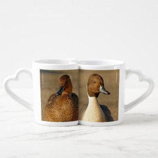 Pato rojizo septentrional gótico tazas para parejas