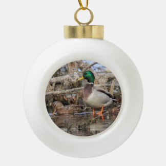 Pato silvestre adorno de cerámica en forma de bola