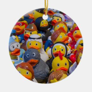 Patos de goma adorno navideño redondo de cerámica