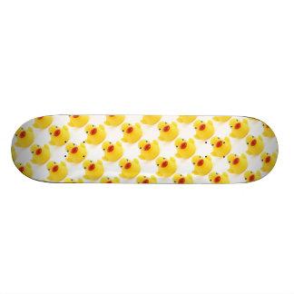 Patos de goma amarillos monopatines personalizados