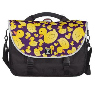 Patos de goma púrpuras lindos bolsa de ordenador