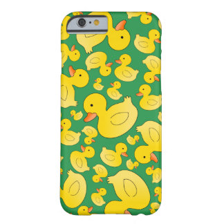 Patos de goma verdes lindos funda de iPhone 6 barely there