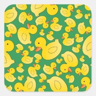 Patos de goma verdes lindos calcomanía cuadradas personalizadas