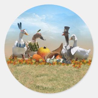 Patos de la acción de gracias - peregrinos y pegatina redonda