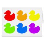 Patos del caucho del arco iris tarjeta