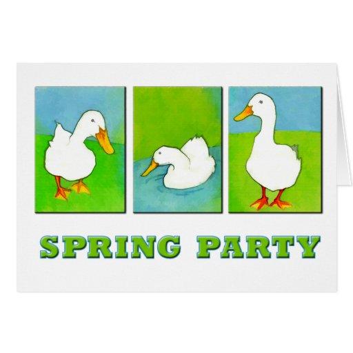 Patos del fiesta de la primavera en una fila tarjetas