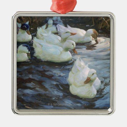 Patos en una charca adorno cuadrado plateado