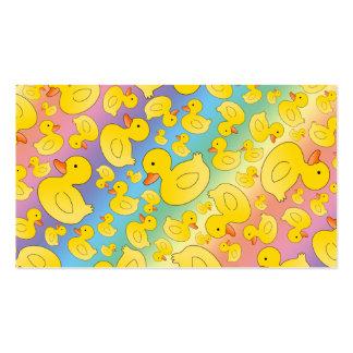 Patos lindos del caucho del arco iris plantilla de tarjeta personal