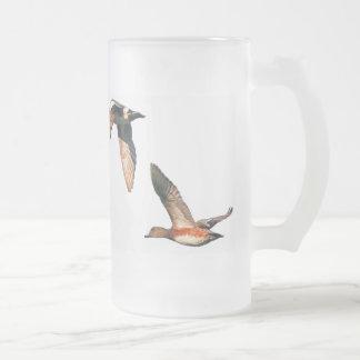 Patos que vuelan la taza