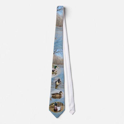 Patos silvestres en el agujero azul corbata personalizada