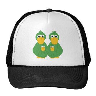 Patos verdes torpes y 2 gorras de camionero