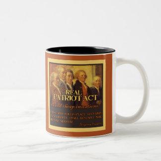 Patriot Act real, los fundadores Tazas