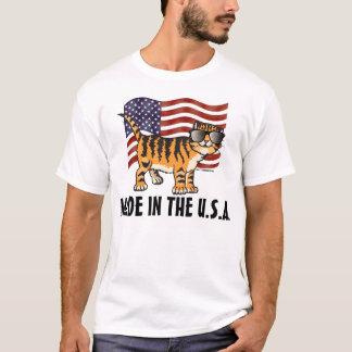 Patriota hecho en las camisetas del CAT de los