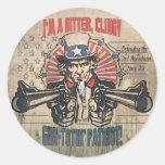 Patriota Toting del arma amargo, ceñido Etiqueta Redonda