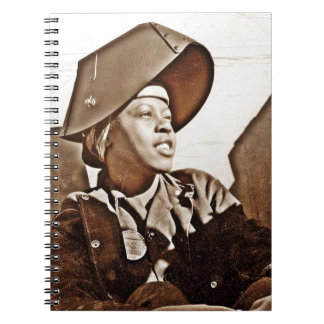 Patriotas afroamericanos de las mujeres spiral notebook