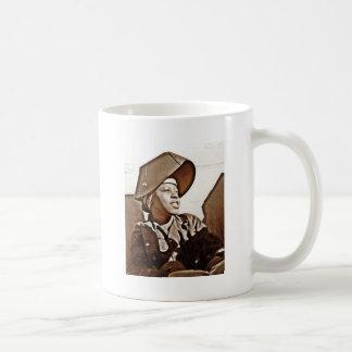 Patriotas afroamericanos de las mujeres taza de café