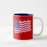 Patriotismo y paz en diseño de la bandera american taza de café