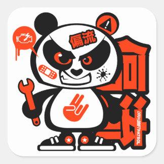 Patrulla loca de la deriva - panda agresiva (roja) pegatina cuadrada