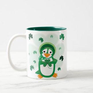 Patsy y taza del pingüino de Patrick