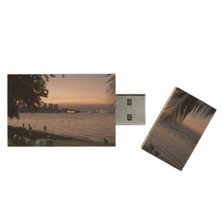 Pattaya Beach Sunset ... Chonburi, Thailand Wood USB Flash Drive