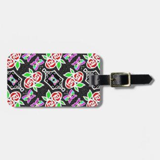Patten personalizable de la mariposa color de rosa etiqueta de maleta