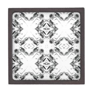 pattern 106 black keepsake box